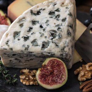 t-fijnproevertje-assortiment-specialiteit-van-het-huis-kazen-blauw-geaderde-kaas-voorbeeld-1