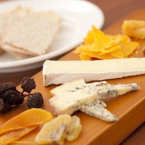 t-fijnproevertje-assortiment-specialiteit-van-het-huis-kazen-sfeerbeeld-kaas-en-fruit